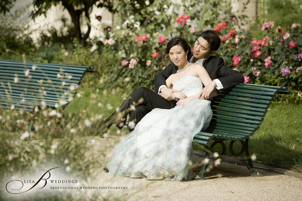 Here is a pre wedding photo in paris