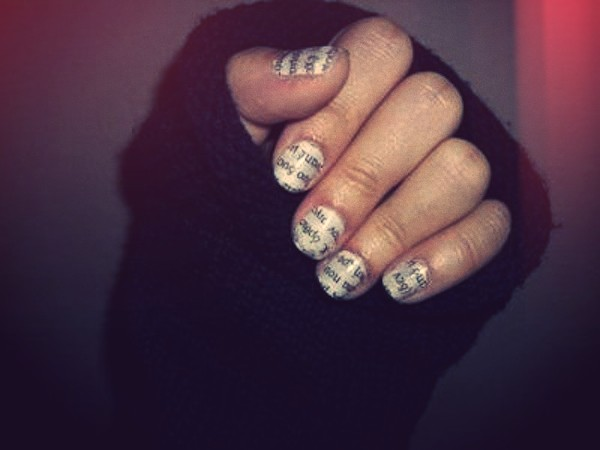 DIY news paper nails manicure.jpg_effected-002
