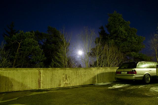IMAGE: http://farm6.static.flickr.com/5178/5542557560_0f4d931cf8_z.jpg