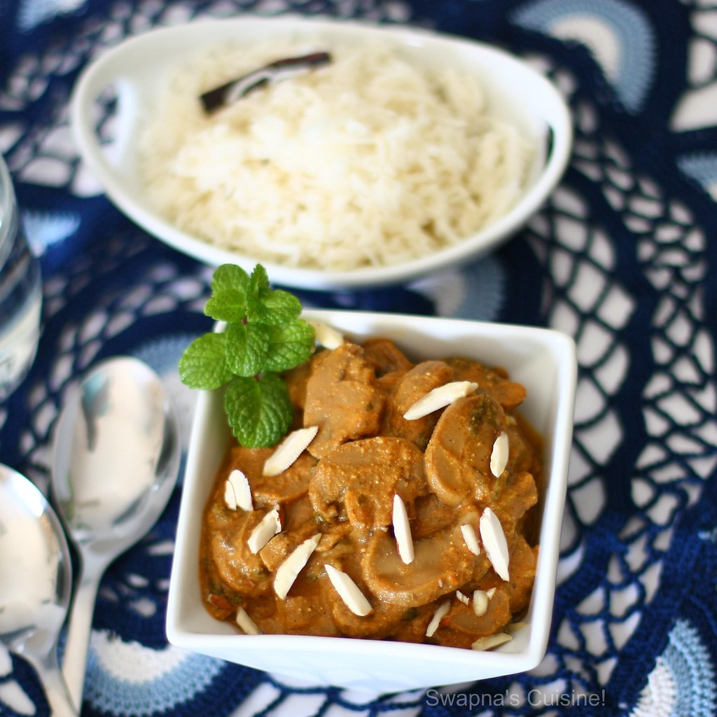 Badami Mushrooms (Mushrooms in Almond Gravy)