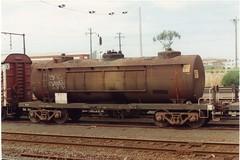 VTQF 301 G Tottenham 10/1995 (booksvic) Tags: tank railway vr wagons vline