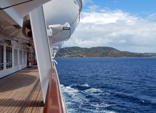 Approaching Saint Thomas