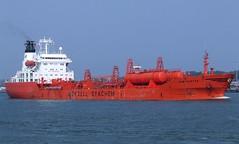 """BOW HUNTER"" - IMO 7926318 (Rick Vince) Tags: bowhunter imo7926318 merchantship merchantvessel chemicaltanker tanker odfjell dsme okpo"