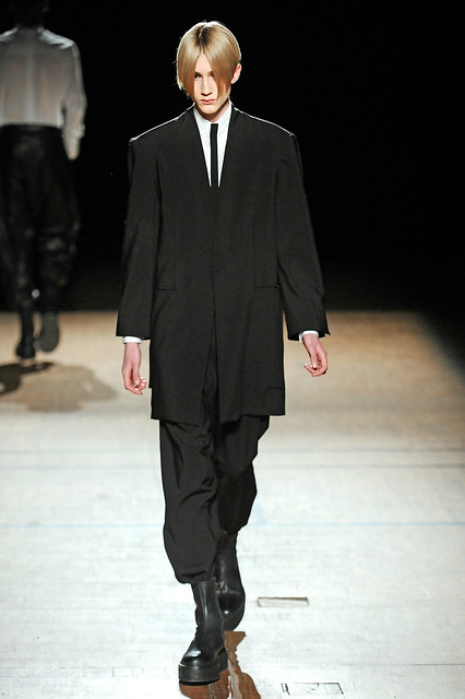 Valter Torsleff3005_FW11_Paris_Damir Doma(Simply Male Models)