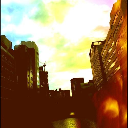 秋葉原の空 sky in akihabara