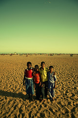 Friendship! (VinothChandar) Tags: life friends people india canon happy photography photo friend pattern friendship expression unity madras happiness wideangle 5d marinabeach chennai tamilnadu chennaimarinabeach chennaimarina