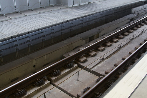 Noise dampening baffles in the platform pit on the Ma On Shan line