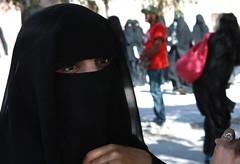 Student at Sanaa University (Kate B Dixon) Tags: black veil hijab yemen sanaa niqab balto khimar