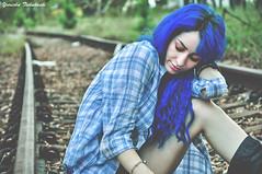 On the highway of dreams (Yuricka Takahashi) Tags: azul de ensaio ana nikon mg gabriela trem takahashi ribeiro cabelo horizonte belo fotogrfico linha d90 yuricka