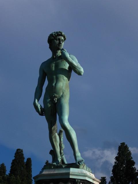 ミケランジェロ広場の銅像のフリー写真素材