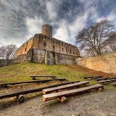 Lipowiec # 2 - vertorama (Mariusz Petelicki) Tags: castle ruins poland polska hdr zamek małopolska ruiny lipowiec vertorama mariuszpetelicki nadwiślańskiparketnograficzny