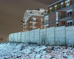 Isolation. (wojszyca) Tags: mamiya rz67 6x7 mediumformat 110mm hoya 80b kodak ektacolor pro 160 night longexposure wall building architecture cold winter snow katowice poland canon canoscan 9000f autaut