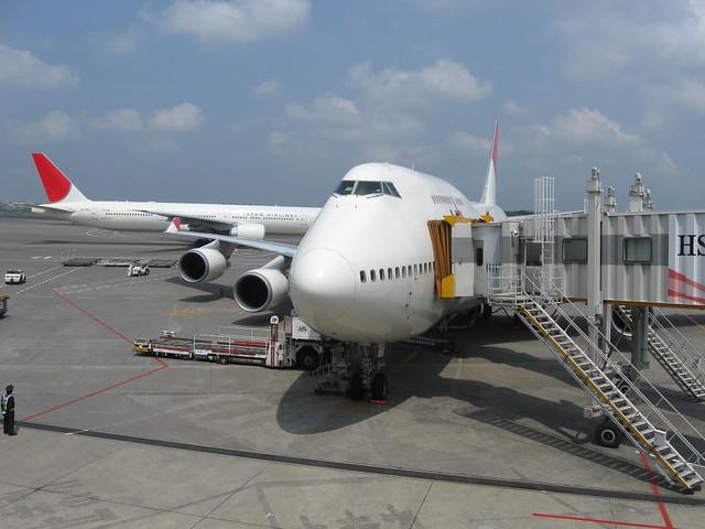 飛行機のフリー写真素材