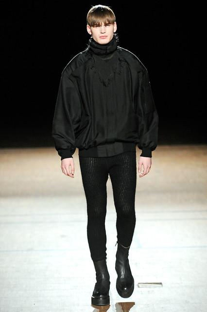 Felix Schopgens3085_FW11_Paris_Damir Doma(Simply Male Models)