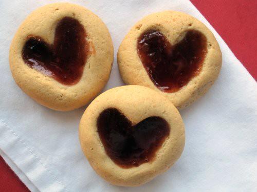 Peanut Butter Heart Print Cookies