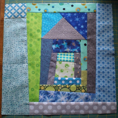 Free Piecing - Log Cabin House for Laura
