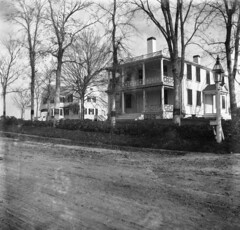 Washington Street, Duxbury, MA, c. 1899 (Drew Archival Library) Tags: bigelow washingtonstreet duxbury glassplatenegative facey wrightbuilding duxburywilliamfacey surplusstreet winsorstreetduxbury isaacwinsor pricillawilliams laurencesoule crackertavern drewarchives