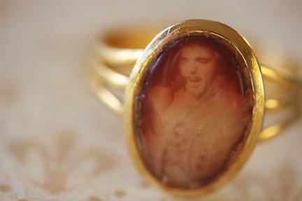 !970's Elvis Ring
