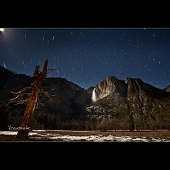 Startrail Upper Yosemite fall - CA (Dominique Palombieri) Tags: california usa rock night stars landscape waterfall nationalpark flickr fav20 yosemite dominique np startrails 17mm 2011 fav10 500iso canoneos5dmarkii lensef1740mmf4lusm palombieri 5980secatf71