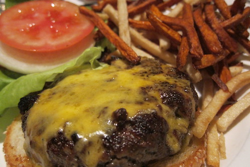 Pacific Dining Car: Cheeseburger