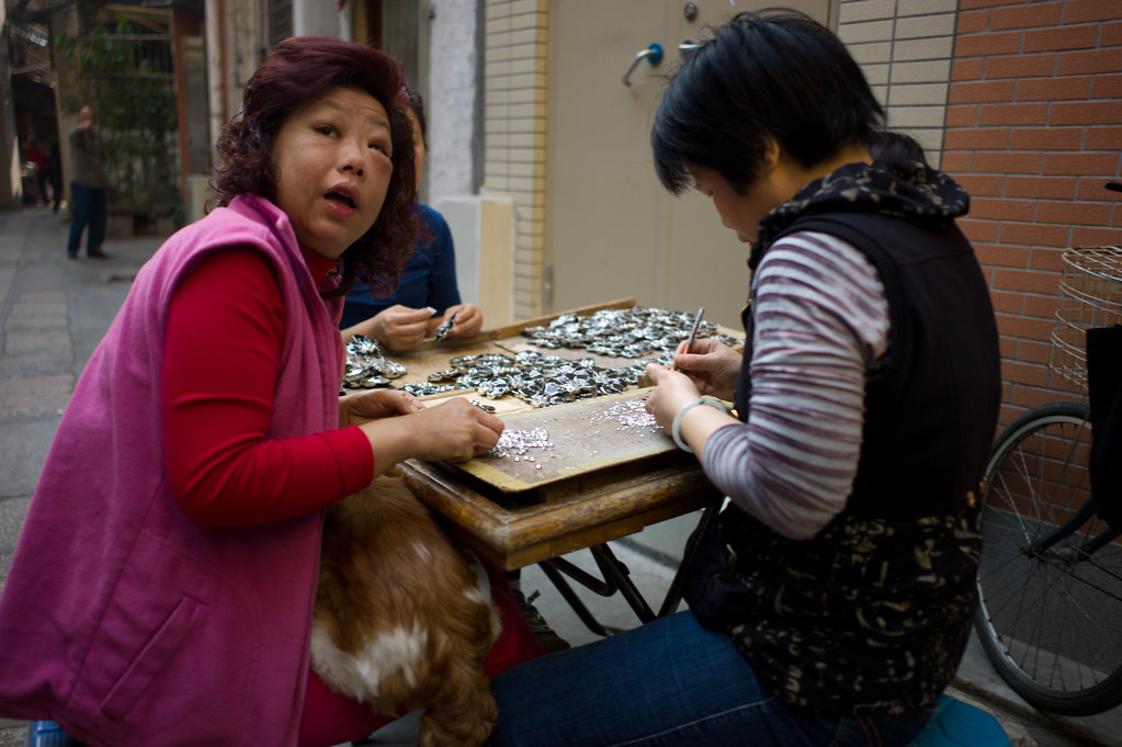 Making Fashion Jewelry in the backstreets of GuangZhou