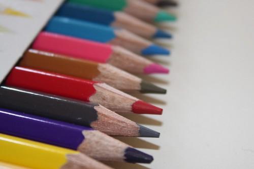 Lápices de colores sin estrenar