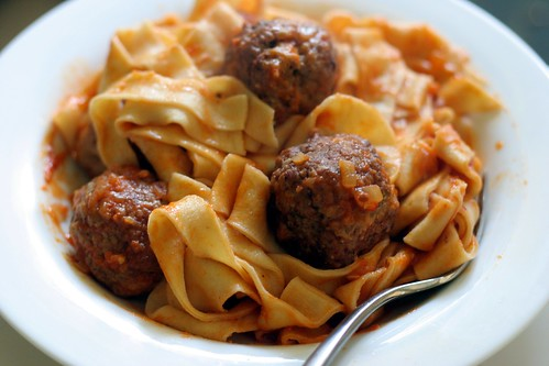 Pasta fresca with meatballs