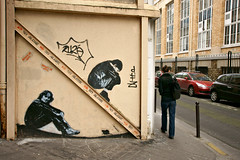 Jef Aerosol (dprezat) Tags: street paris art tag graf spray peinture beatles johnlennon bombe mouffetard pochoir jefarosol arosol sittingkid sonyalpha700