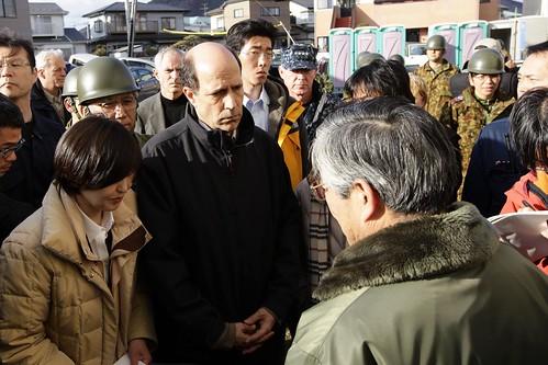 john v  roos  u s  ambassador to japan  speaks with survivors while touring