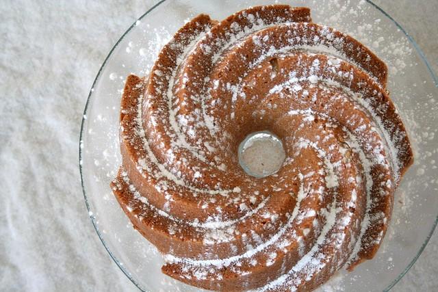 maple pecan bundt cake | When Harry Met Salad