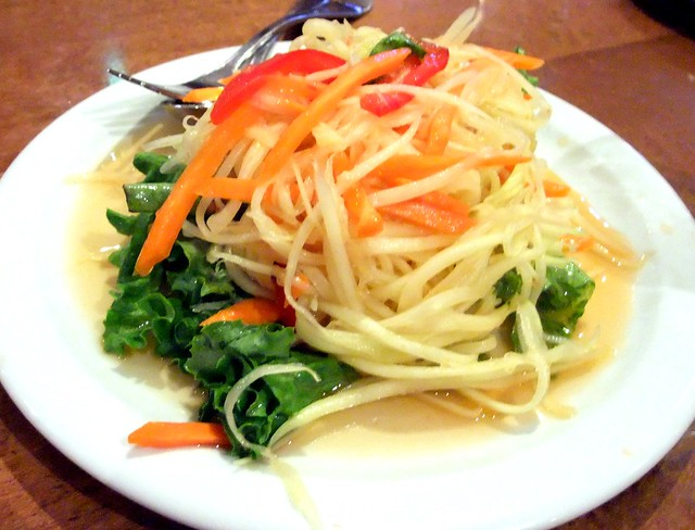 Som Tum (Papaya Salad)