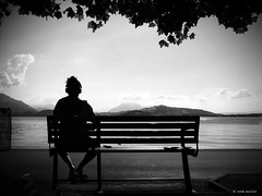 another day on the lake (Ren Mollet) Tags: lake zug zugersee man lakefront blackandwhite bw monchrom schwarzweiss street streetphotography silhouette headphone sitting