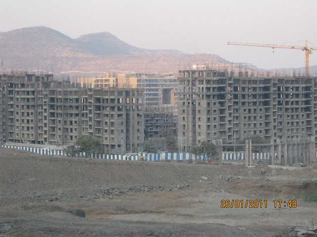 Grand Entrance & Ramp of Sangria - Megapolis and Megapolis Smart Homes 1 & TCS - Megapolis on 26th January 2011