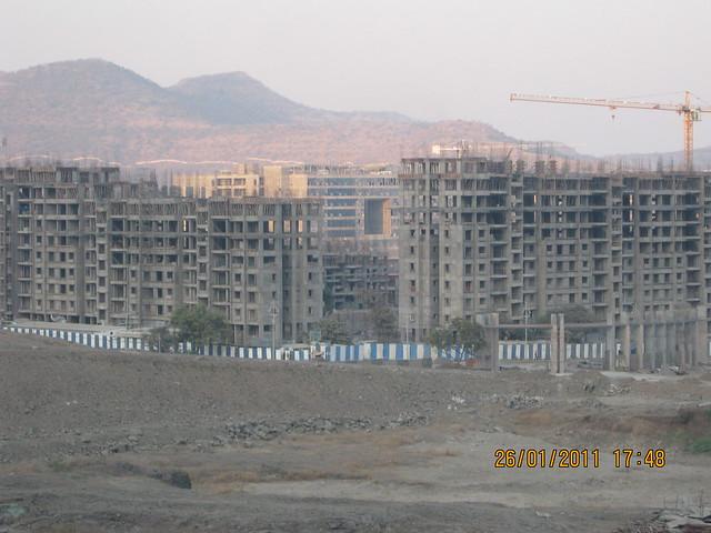 Grand Entrance & Ramp of Sangria - Megapolis and Megapolis Smart Homes 1 & TCS - Megapolis on 26th January 2011