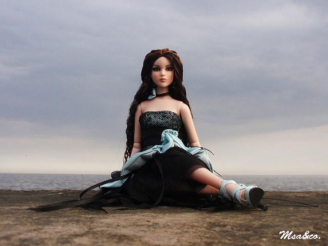 Интересный арт с куклами. 5414355072_04c1940bee_z