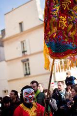 Un masque dans la foule