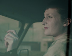 Simple past. (Francesca Crippa) Tags: red portrait sun glass car rouge hand lips mano february sole ritratto macchina annina vetro febbraio retr labbra francescacrippa