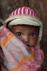 Little boy (Ingiro) Tags: boy baby asia little tribe laos etnies goldentriangle akha bambino ingiro trib triangolodoro