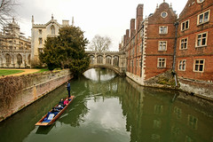 Bridge of Sighs (dprezat) Tags: street city uk bridge cambridge england urban college architecture river campus town university universit pont angleterre bridgeofsighs venise cambridgeshire ecole saintjohns pontdessoupirs sonyalpha700