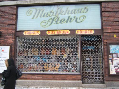 berlin_musichaus_stehr_street_sign_2