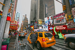 tImE sQuArE .............. tHe CeNtEr oF uNiVeRse (FRANCI andrea ) Tags: nyc newyorkcity newyork apple timessquare bigapple theatredistrict