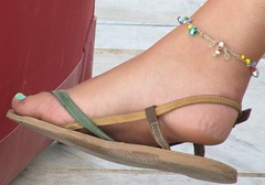 IMG_2466 (Dragonotna) Tags: feet soles sexyfeet femalefeet sexysoles candidfeet femalesoles
