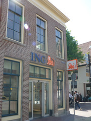 Bank of the Orange Lion (ING kantoor in Alkmaar) (Can Pac Swire) Tags: holland building netherlands dutch architecture nederland bank alkmaar ing banking architectuur noordholland gebouw hoek laat northholland koninkrijkdernederlanden bankology koorstraat