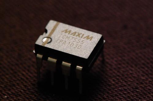 ICM7555 - CMOS Timer IC