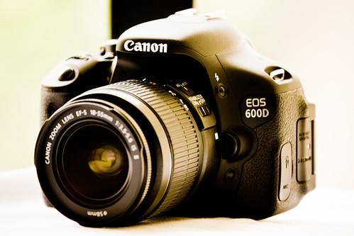 New Canon EOS 600D