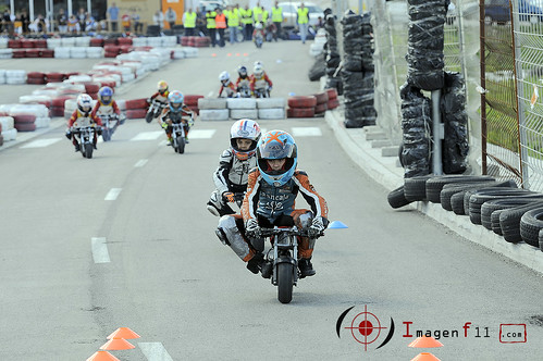 """""""minimotos, escuela de pilotos motos doga"""""""
