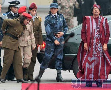 gaddafi_female_bodyguards2