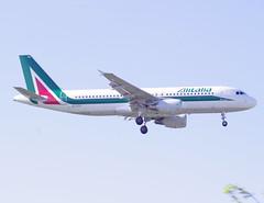 EI-DTH / Airbus A320-216 / 3956 / Alitalia (A.J. Carroll (Thanks for 1 million views!)) Tags: london heathrow airbus lhr alitalia a320 320 egll a320200 skyteam 3956 eidth 09l a320216