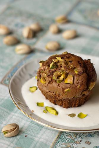 Apelsinimaiguga šokolaadi-pistaatsiamuffinid / Chocolate pistachio muffins with a slight hint of orange