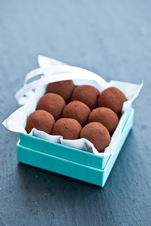 Tartufi al cioccolato e caramello al salato